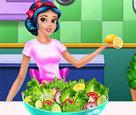 Pamuk Prenses Salata Yapıyor